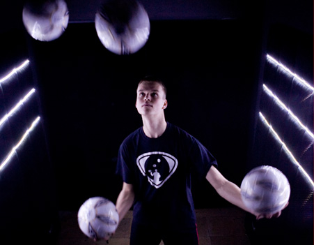 Marek Born - Pokazy Freestyle Football